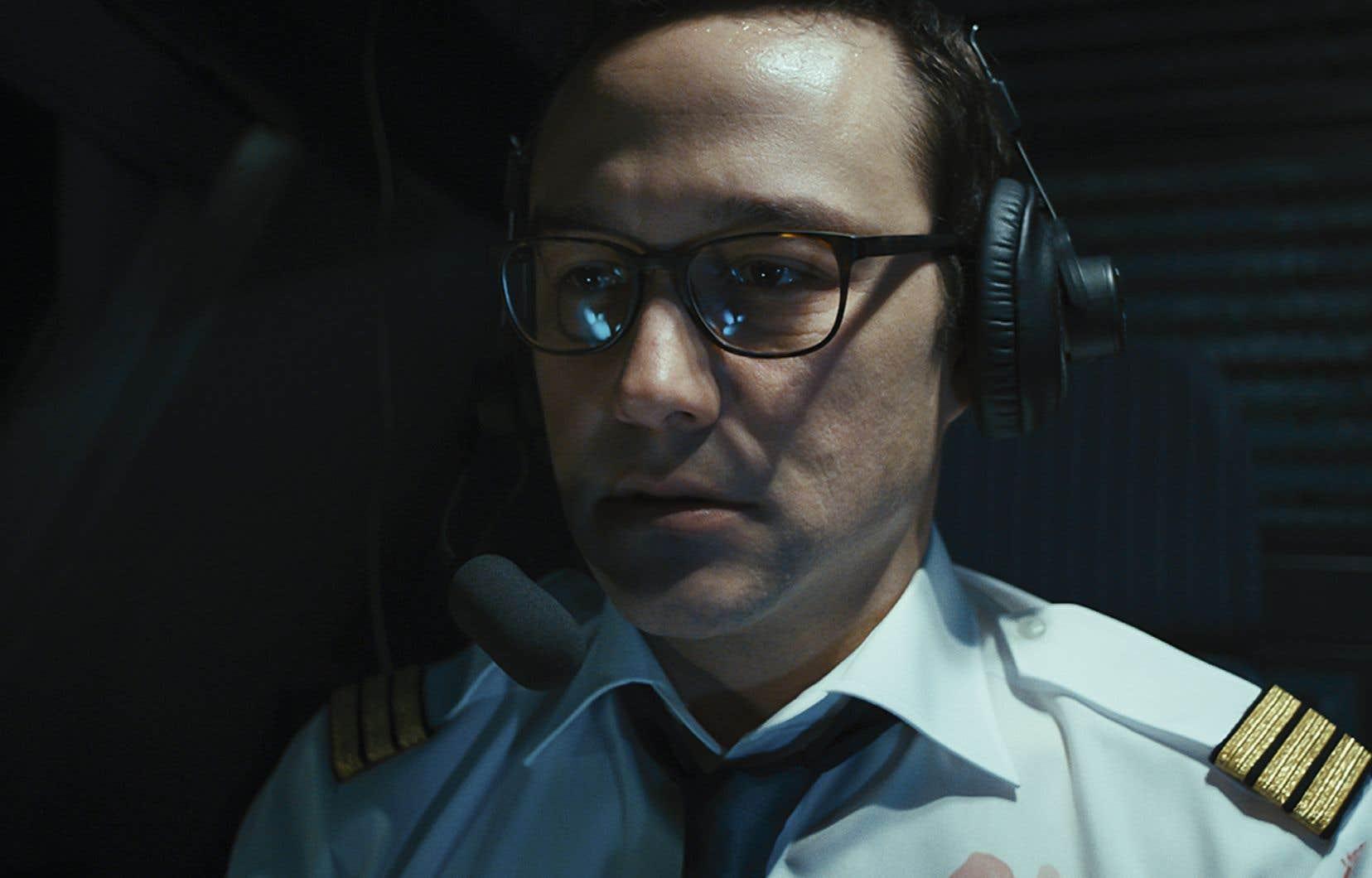 «7500» présente une prise d'otages à bord d'un avion du point de vue d'un copilote isolé dans son cockpit.