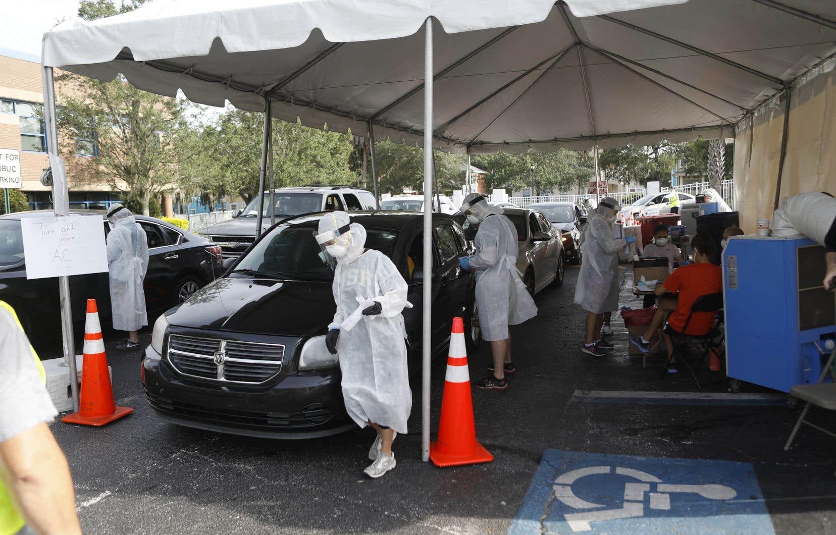 La hausse du nombre de cas est par endroits plus rapide que celle du nombre de tests, comme en Floride, ce qui accrédite l'idée d'un redémarrage régional de l'épidémie.