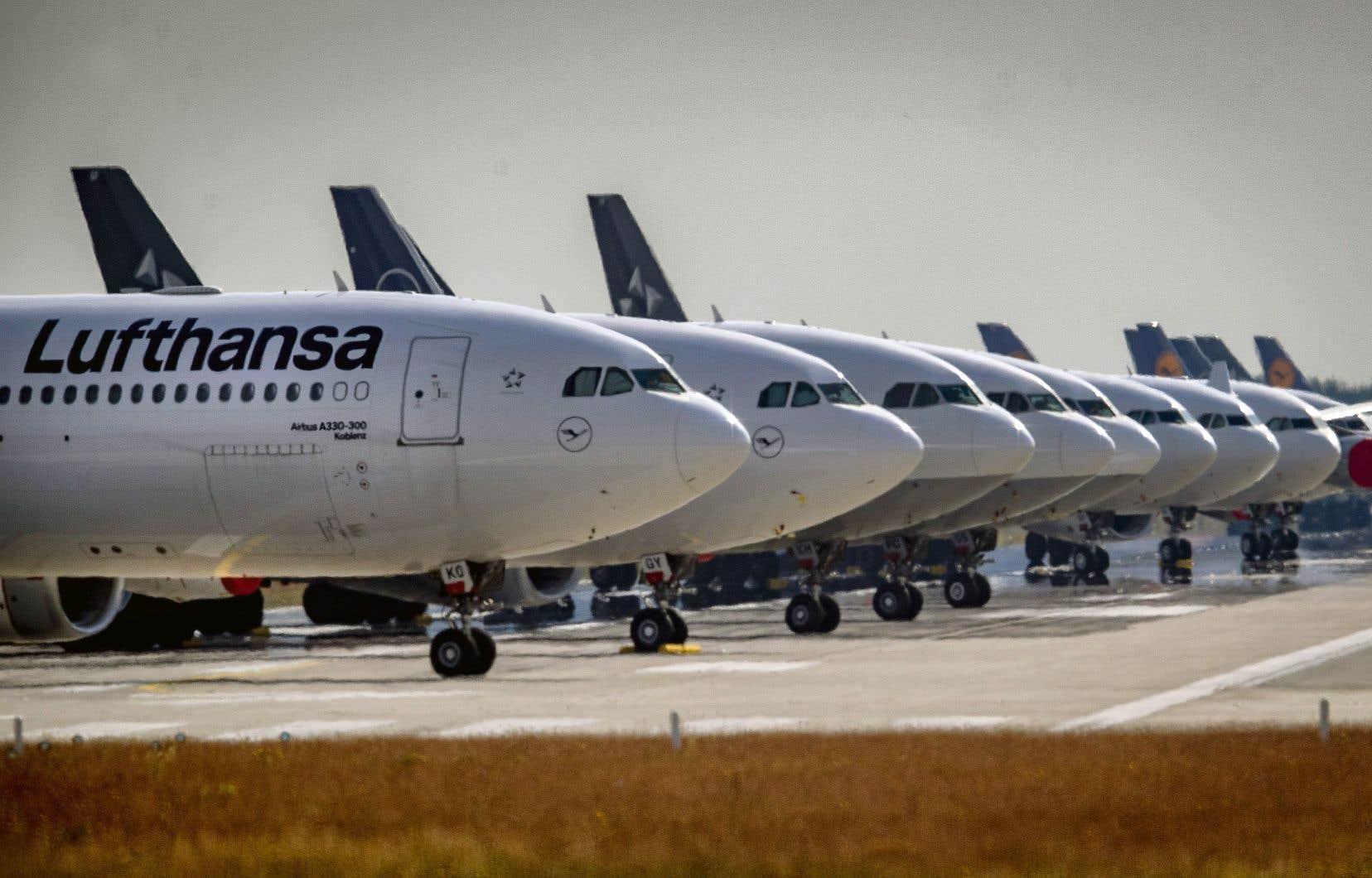 La pandémie de COVID-19 a entraîné chez Lufthansa l'arrêt quasi total des activités passagers.