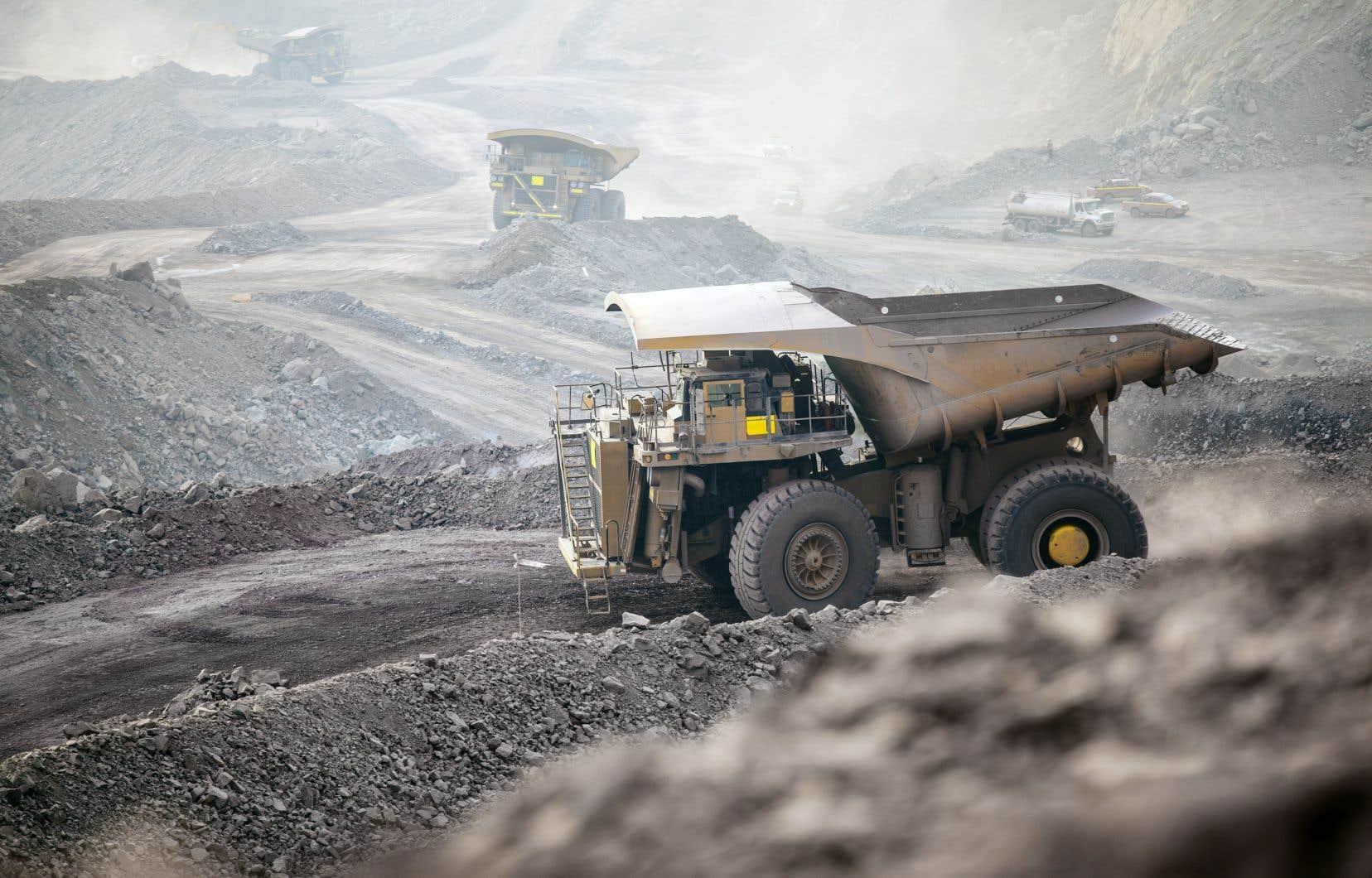 La compagnie a suspendu la production de la mine le 24mars lorsque le gouvernement du Québec a annoncé l'arrêt de toute activité n'étant pas jugée essentielle.