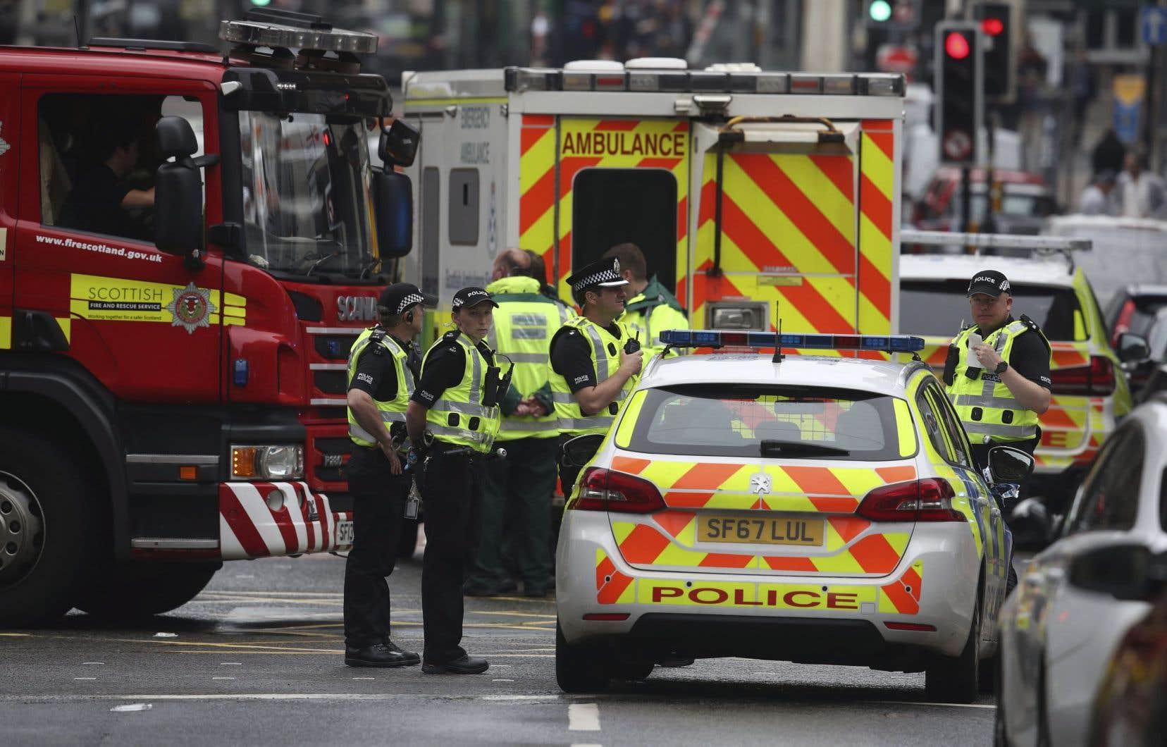 Un important dispositif des forces de l'ordre a été déployé dans le centre-ville de Glasgow et plusieurs rues ont été bouclées.