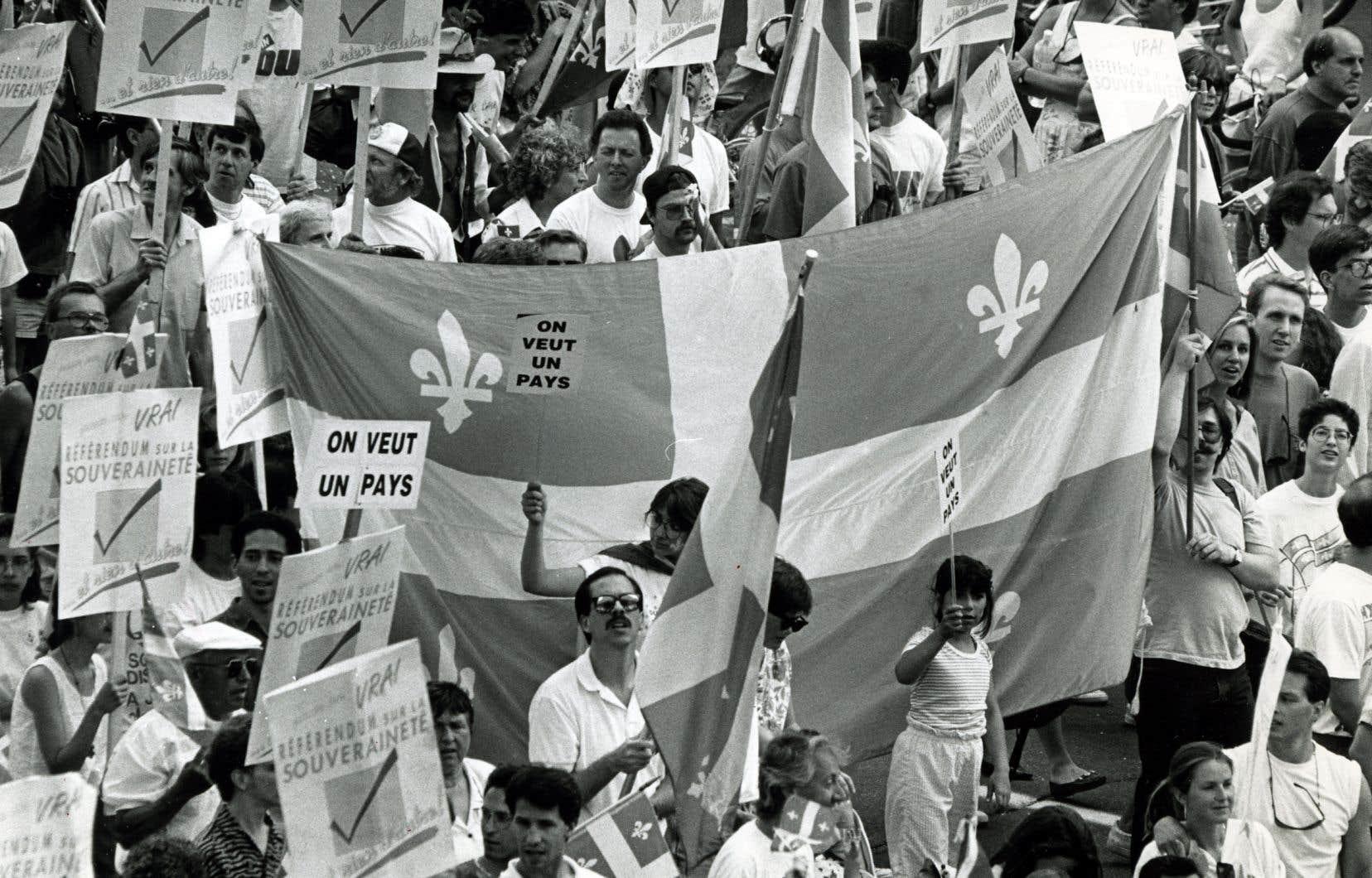 «L'indépendance ne signifie pas transférer le pouvoir à un État québécois piloté par des gens d'affaires francophones, mais de mettre en place de nouvelles institutions au service de la souveraineté populaire», estime l'auteur.