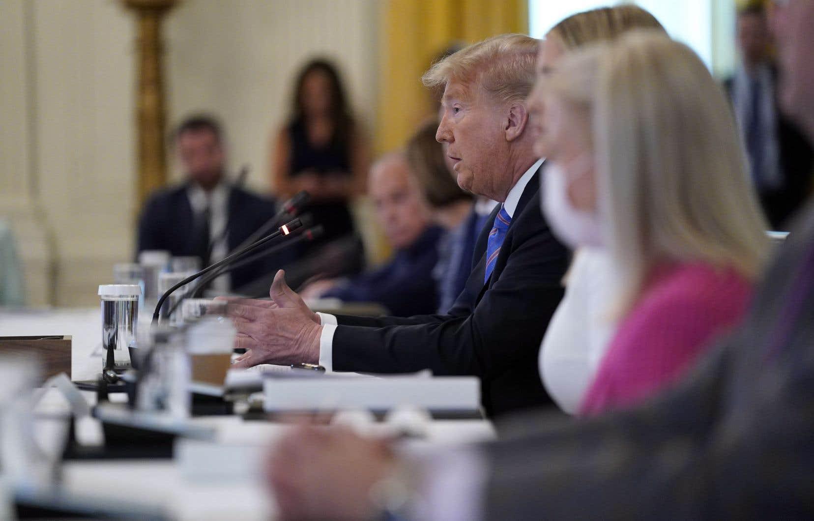 Le président Trump n'est jamais apparu en public portant un masque depuis le début de la pandémie.