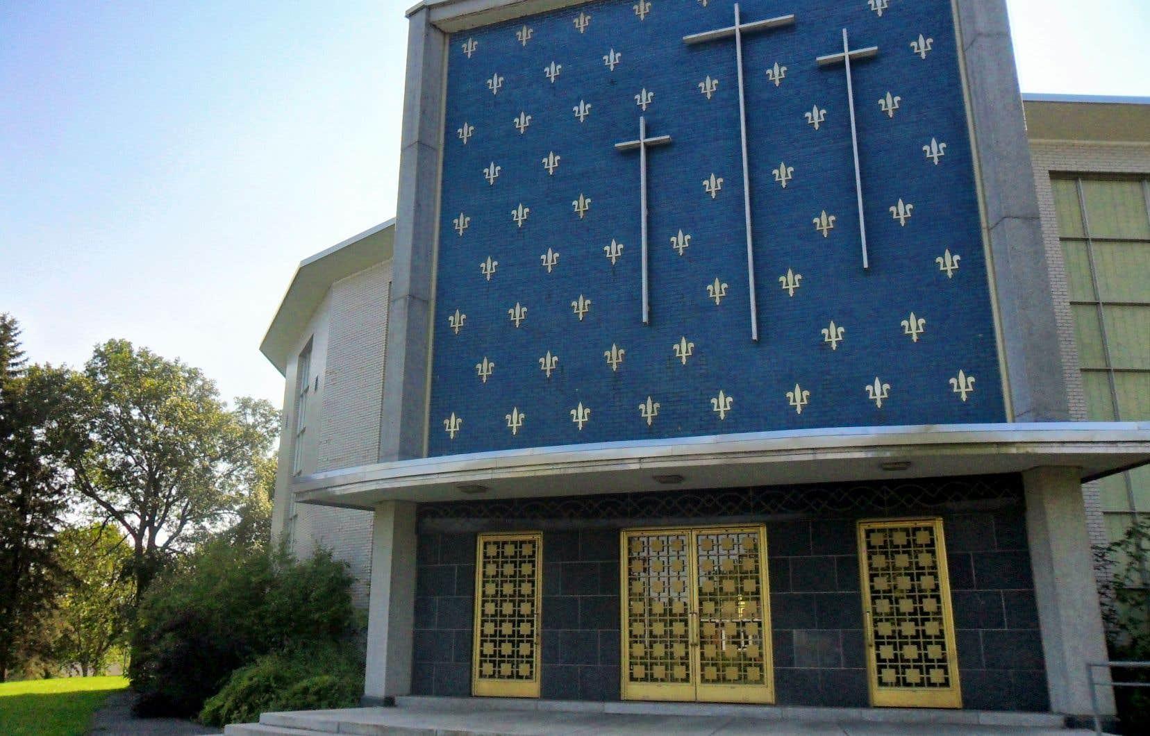 L'église Saint-Louis-de-France représente une époque où le Québec se développait à grands pas et se modernisait, rappelle l'autrice.