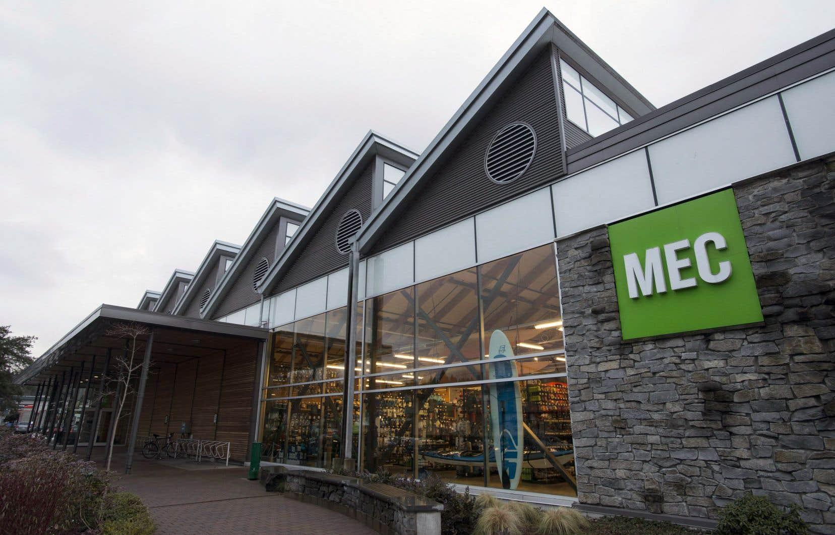 Le boycottage chez MEC est entré en vigueur le 25 juin, date à laquelle l'entreprise a retiré son contenu et ses publicités payées de Facebook et Instagram jusqu'à la fin de juillet.