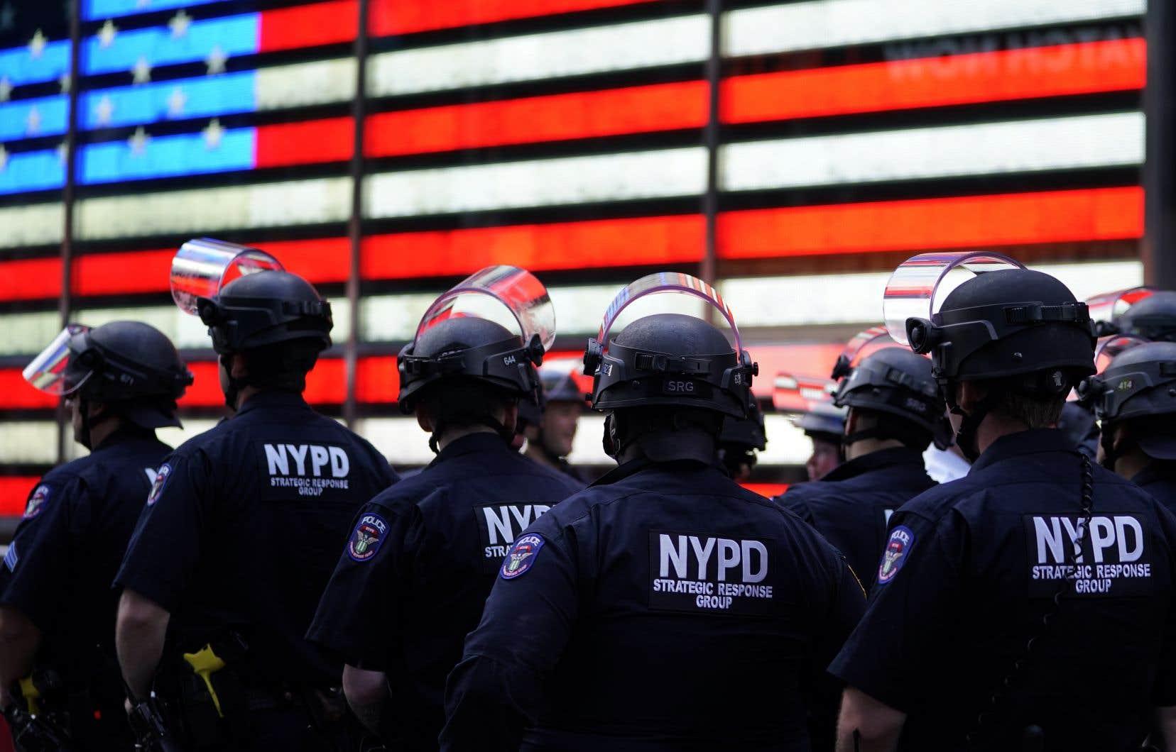 Le budget de la police new-yorkaise pour 2021 comportera un milliard de dollars de dépenses en moins.