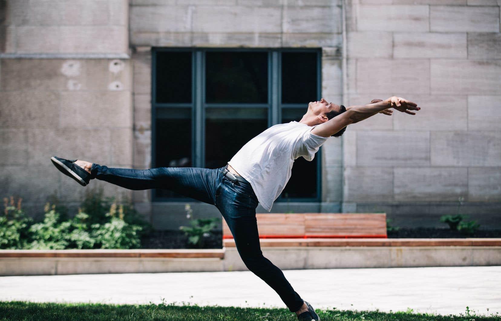 Guillaume Côté s'est réservé une capsule vidéo. Le danseur et chorégraphe a élaboré son solo à partir d'une musique composée par Éric Champagne, une pièce qui sera interprétée au piano par Yannik Nézet-Séguin.
