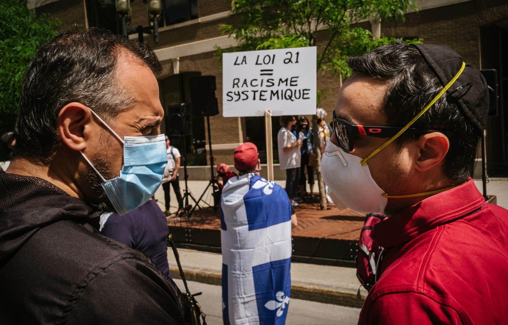 Manifestation contre la loi 21 sur la laïcité de l'État
