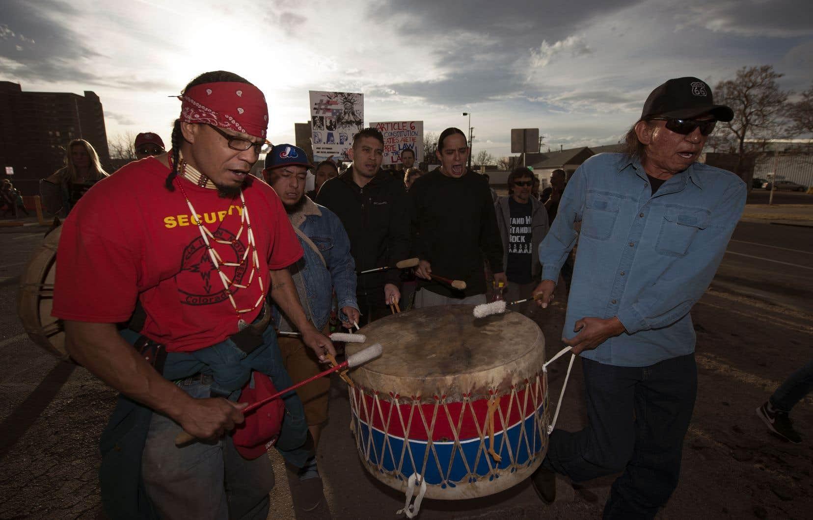 La décision de Donald Trump de relancer le Dakota Access en janvier 2017 avait été grandement opposée par plusieurs nations autochtones à travers les États-Unis.