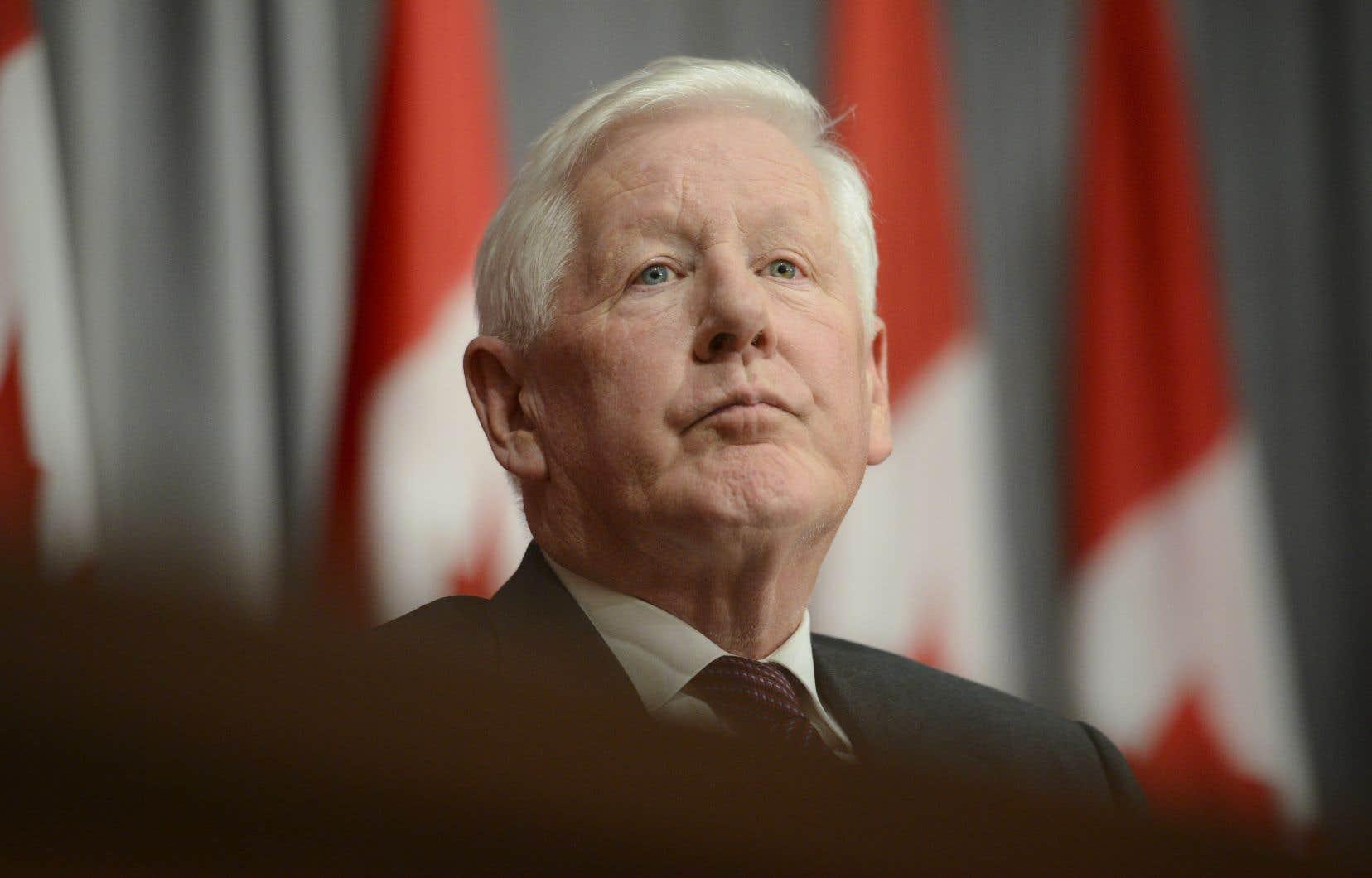 Bob Rae avait quitté la politique active en 2013, après avoir été chef intérimaire du Parti libéral du Canada pendant deux ans et député libéral depuis 2008.