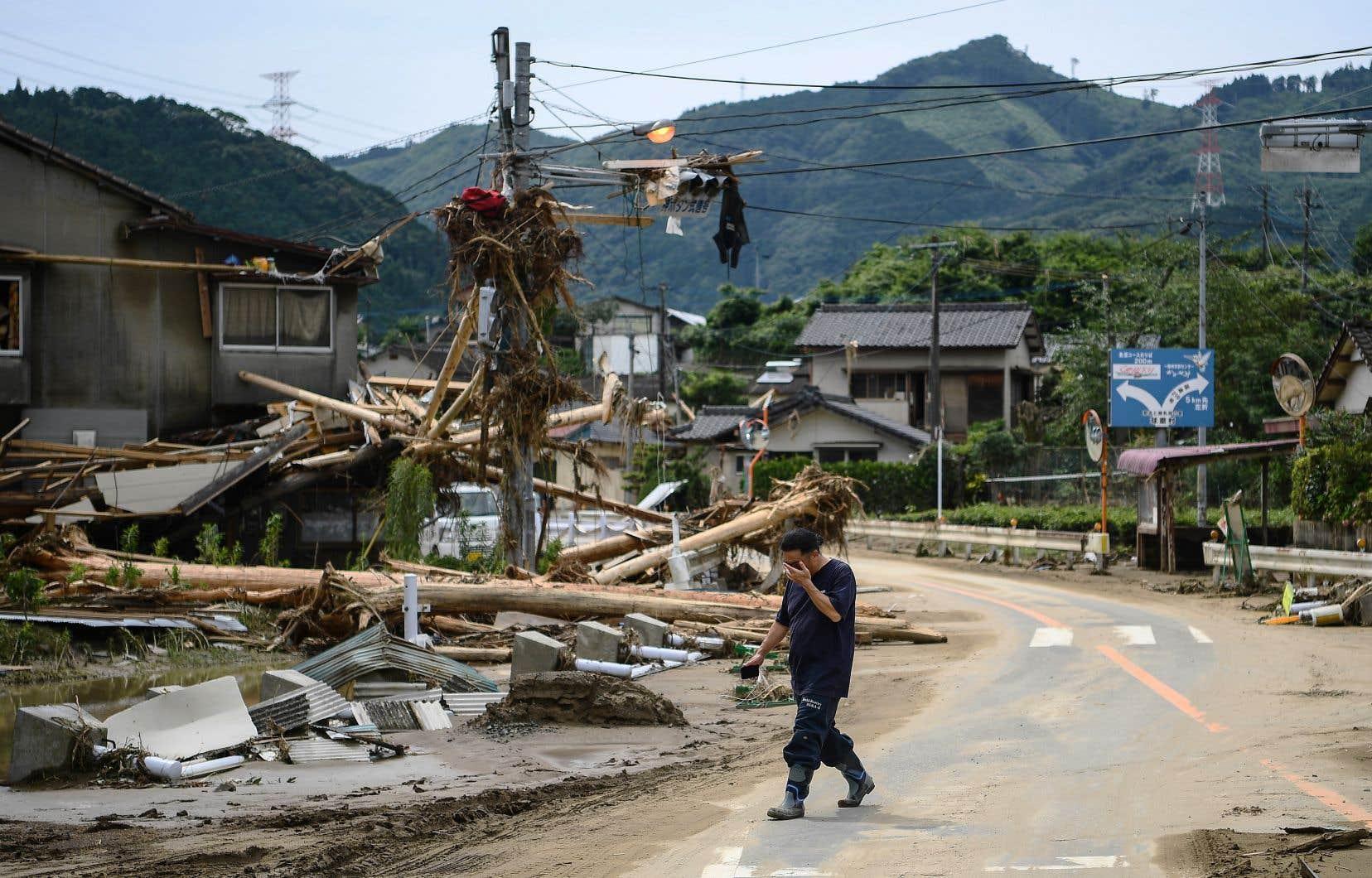 L'Agence météorologique japonaise prévoit encore du mauvais temps dans une large partie du pays jusqu'à vendredi au moins.