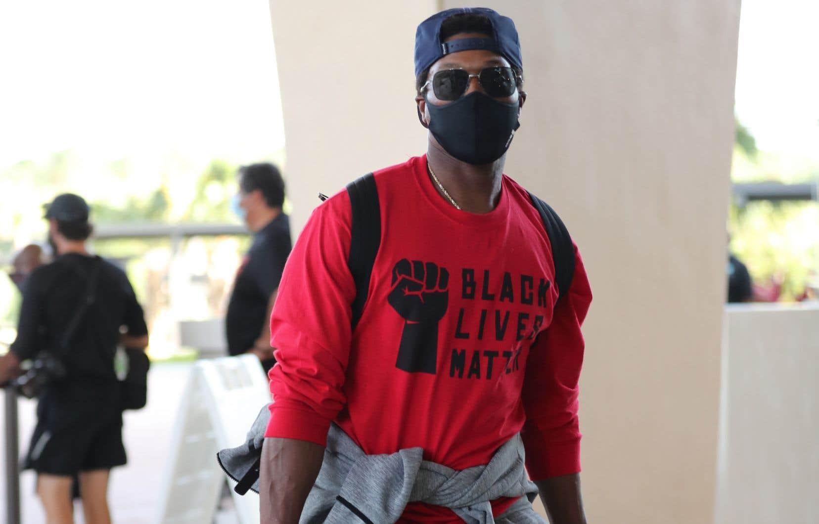 Le joueur numéro 7 des Raptors de Toronto, Kyle Lowry, à son arrivée à Orlando, en Floride.