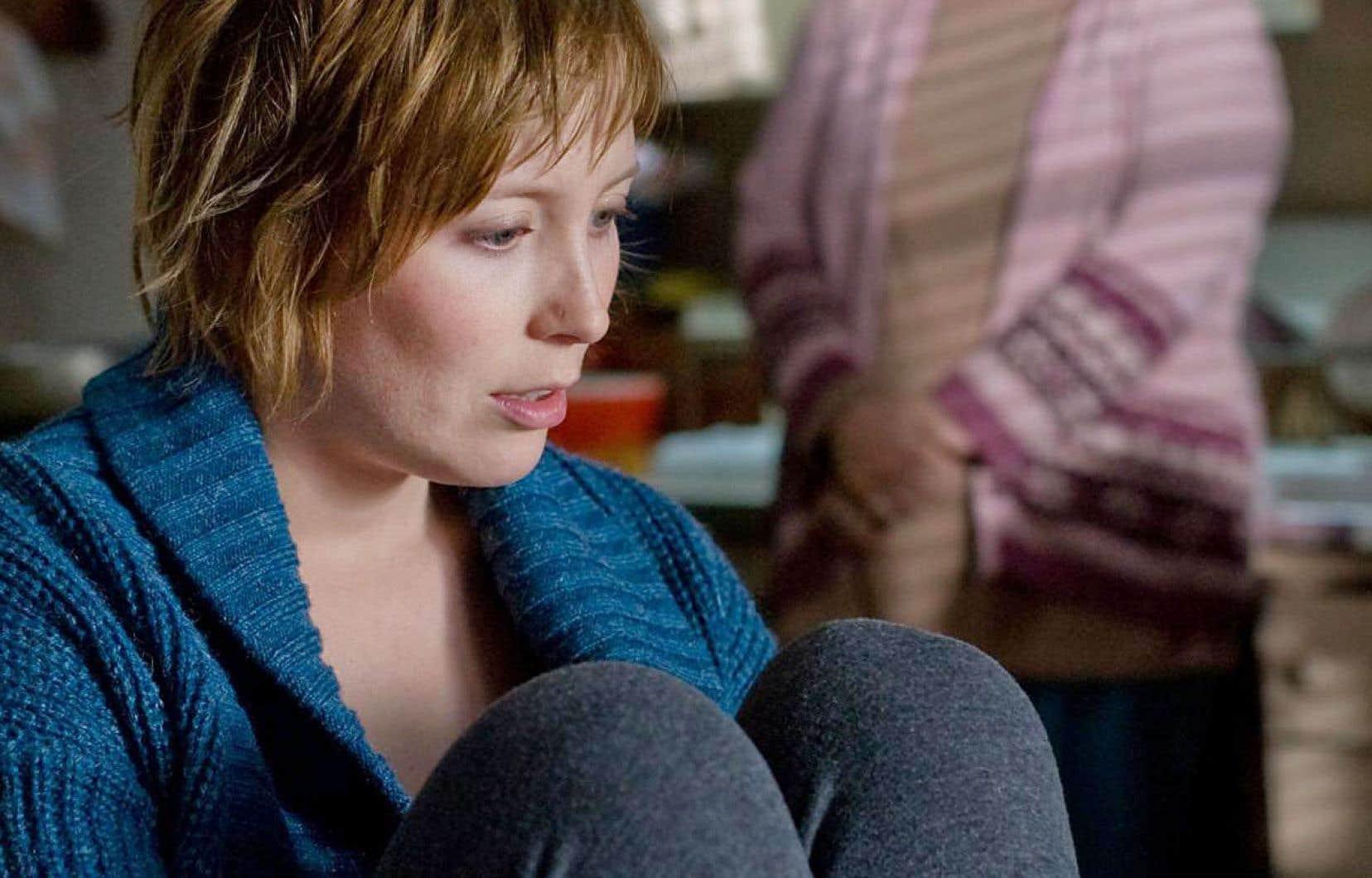 Derrière la figure incandescente et tourmentée de Kiki, à la fois un calque de sa créatrice d'origine et de la réalisatrice, se cache l'actrice Isabelle Blais (Jutra de la meilleure actrice pour ce rôle), indissociable de «Borderline».