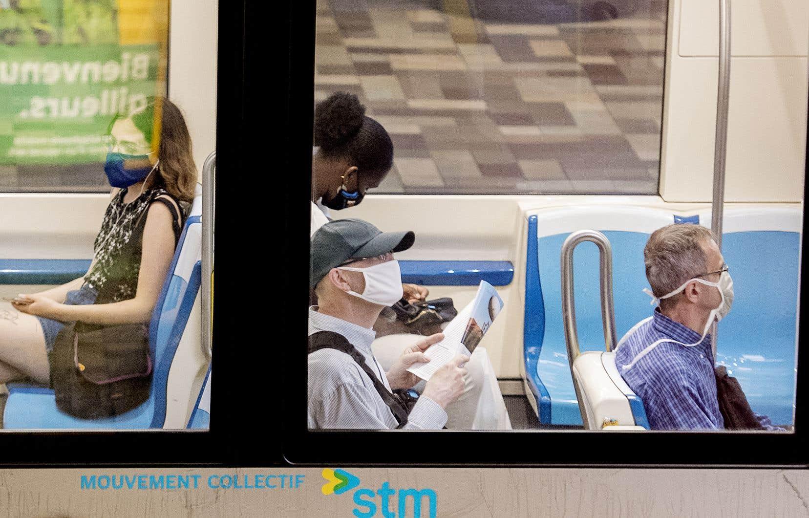 À partir du 27 juillet, une personne sans masque se verra refuser l'accès à un autobus, au métro ou à un taxi.