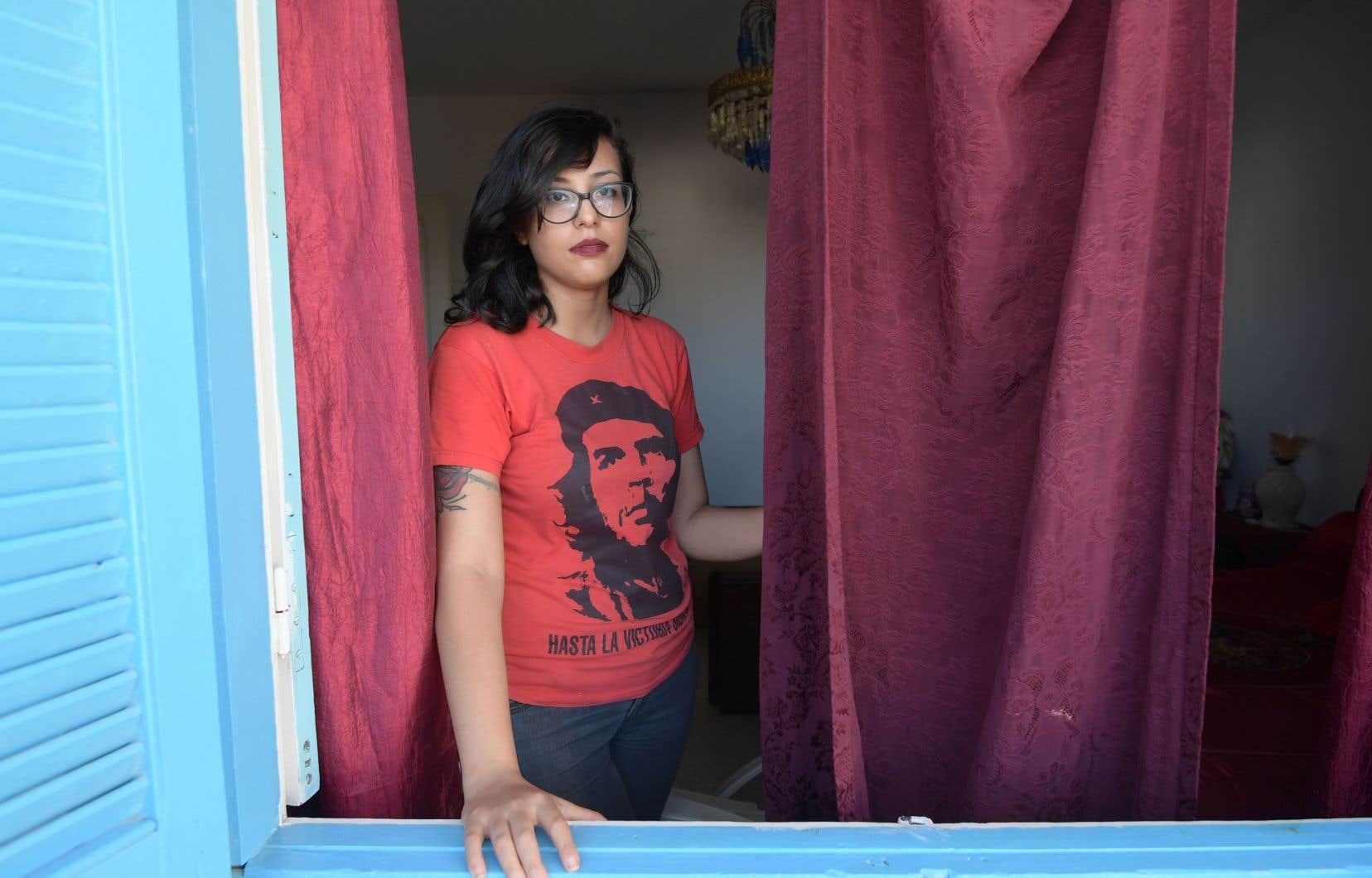 Emna Charki, condamnée à six mois de prison pour une parodie de sourate du Coran publiée sur Facebook.