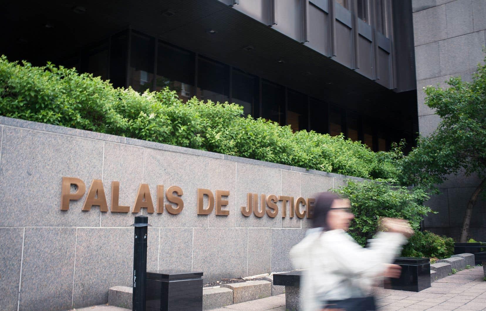 La récente vague de dénonciations au Québec pour harcèlement et agressions sexuelles a révélé un manque de confiance des victimes envers la justice.