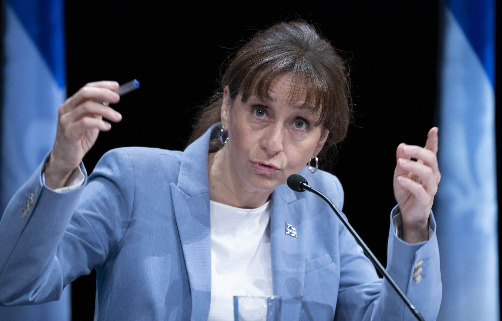La ministre NathalieRoy déplore d'être essentiellement laissée dans le noir depuis le début de la crise révélée par <em>Le Devoir</em> jeudi dernier.