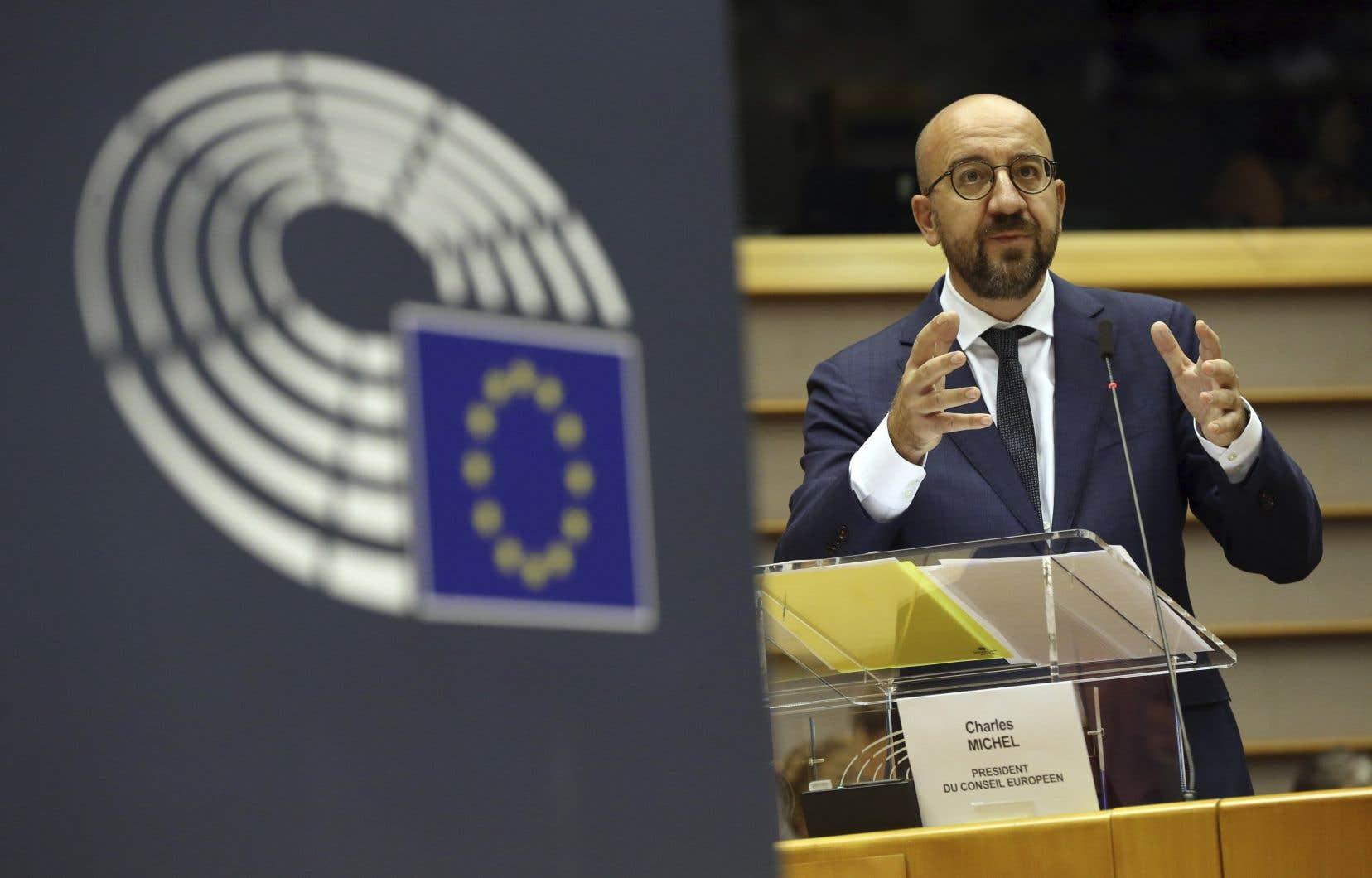 Le président du Conseil européen et chef d'orchestre du sommet, Charles Michel, s'exprime devant les parlementaires.