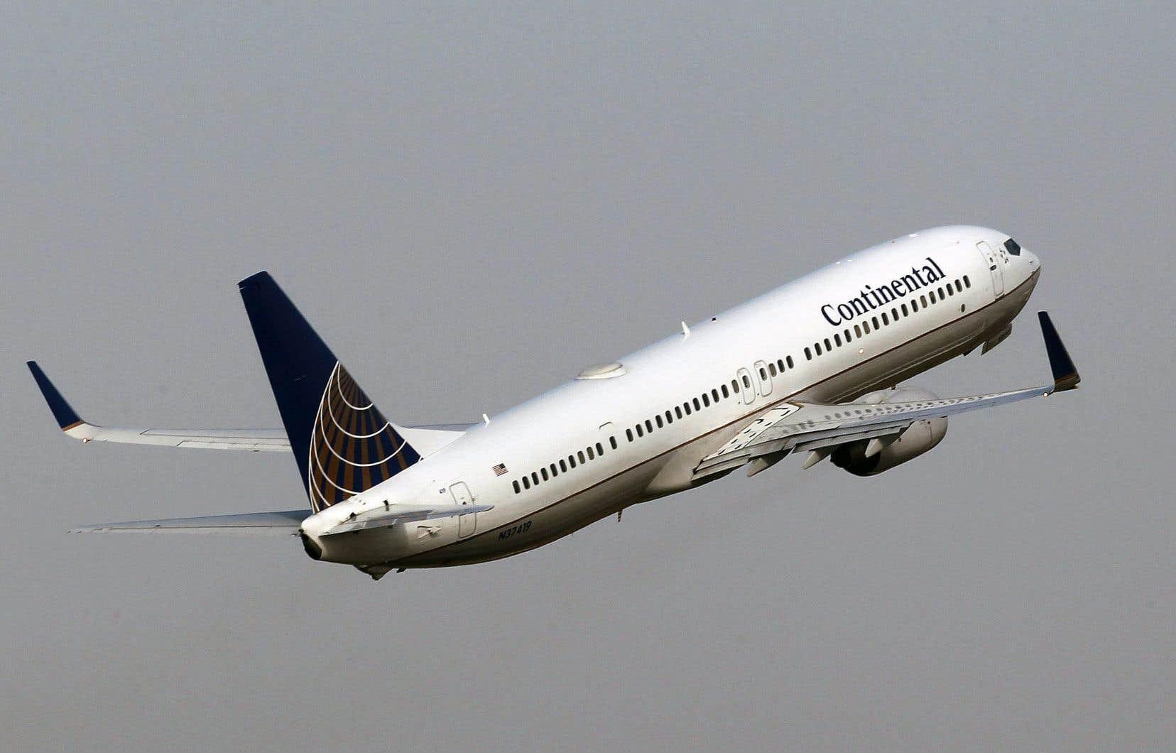 La FAA, a annoncé vendredi avoir ordonné l'inspection d'environ 2000 Boeing 737 NG et Classic après avoir repéré des problèmes sur des soupapes du moteur d'appareils n'ayant pas volé depuis au moins sept jours.