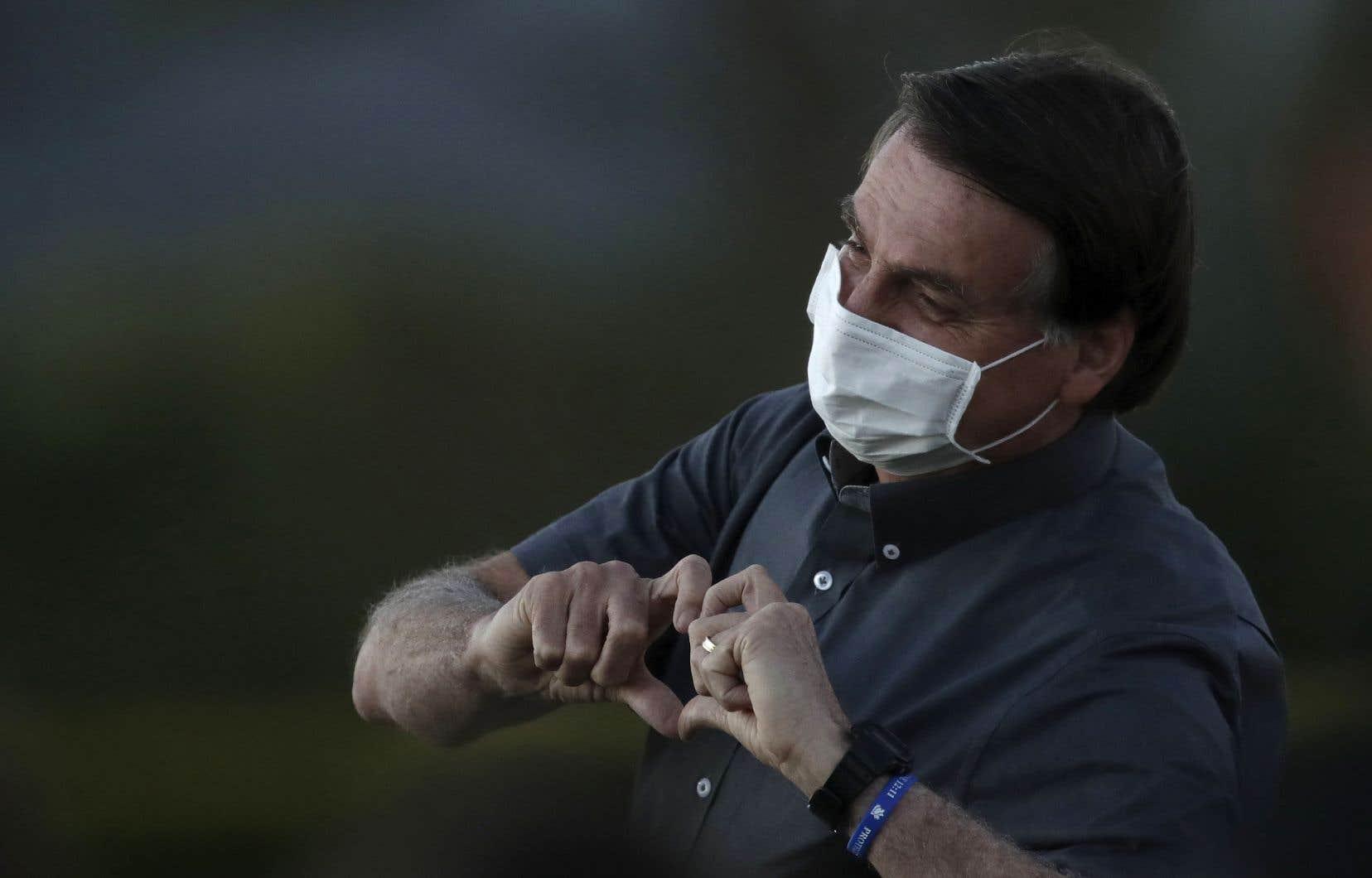 Le président Bolsonaro a souvent minimisé la gravité de la pandémie en qualifiant la COVID-19 de «grippette».