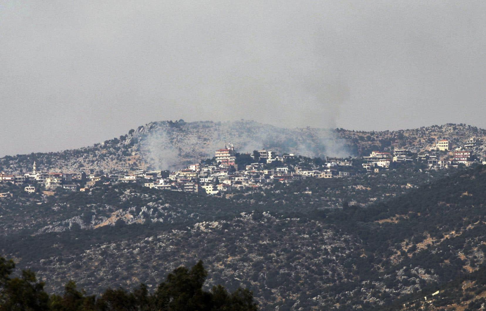 Un correspondant de l'Agence France-Presse a rapporté des dizaines de frappes d'artillerie israéliennes dans le secteur des fermes de Chebaa (versant du Mont Hermon appelé Mont Dov par l'État hébreu), près de la position militaire israélienne de Rouaissat al-Alam.