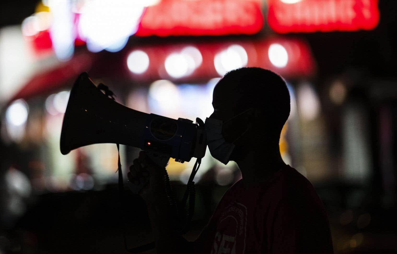 «La censure bien-pensante est bel et bien présente et nous devons, défenseurs de la liberté d'expression, mettre en avant les contradictions de cette censure», soutient l'auteur.
