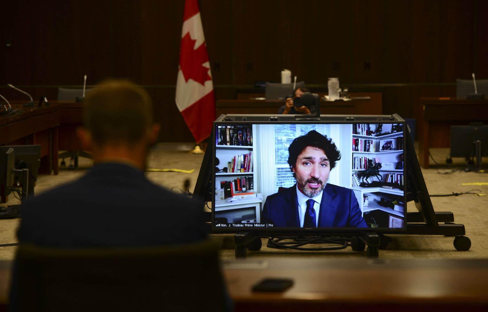 Justin Trudeaua témoigné devant ses pairs, sans pour autant faire de révélations accablantes.