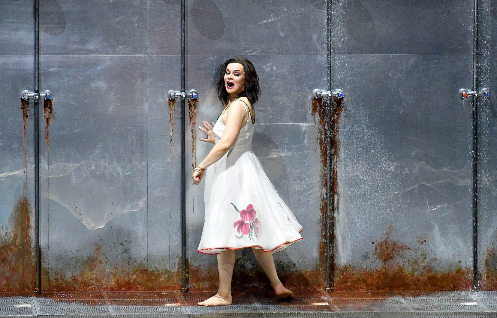 Le Festival de Salzbourg s'ouvrira avec «Elektra», de Richard Strauss, sous la direction de Franz WelserMöst, avec Krzysztof Warlikowski à la mise en scène, habitué des grandes maisons d'opéra. La soprano lituanienne Ausrine Stundyte (en répétition sur notre photo) campera le rôle-titre à l'occasion de sa première apparition au Festival.