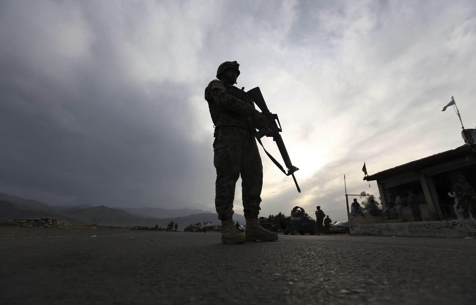 L'assaut a fait au moins trois morts et cinq blessés, selon le porte-parole du ministère de l'Intérieur.