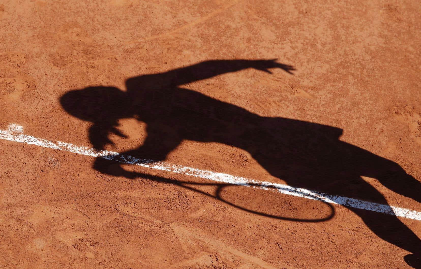 Tests tous les quatre jours, masques obligatoires à part pour jouer et manger, entourage limité à une personne, etc.: le tournoi WTA de Palerme a commencé lundi avec des conditions particulières.