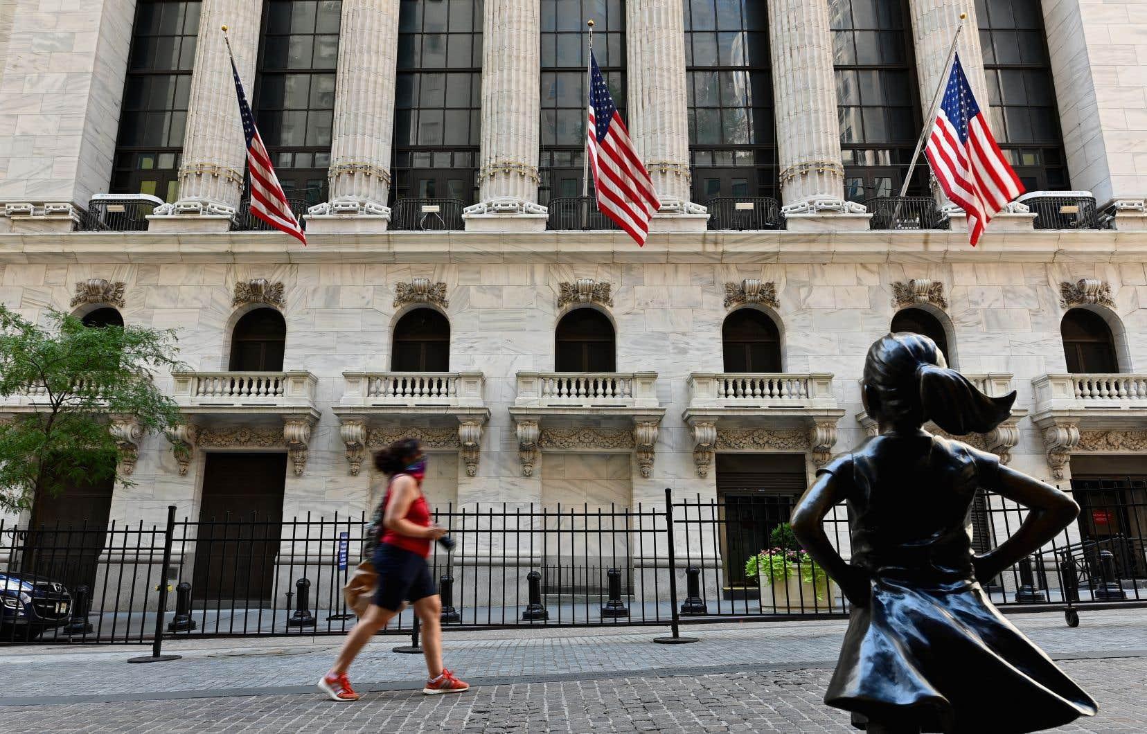 Les principaux indices boursiers ont terminé la première séance du mois d'août en hausse.
