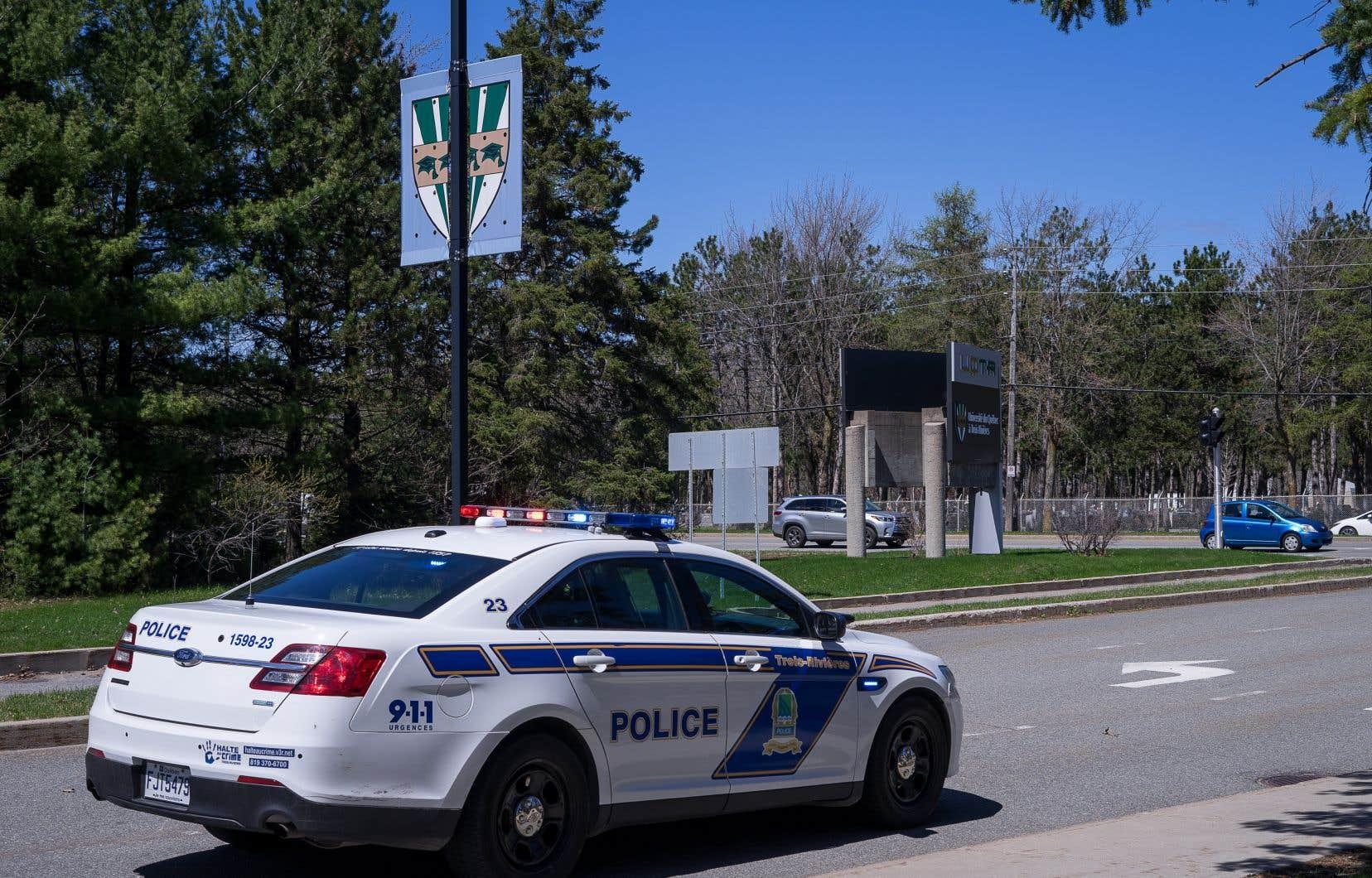 Quelque 2000 ménages du secteur de Trois-Rivières-Ouest avaient reçu l'avis de rester à l'intérieur de leur domicile avec les portes et les fenêtres fermées.
