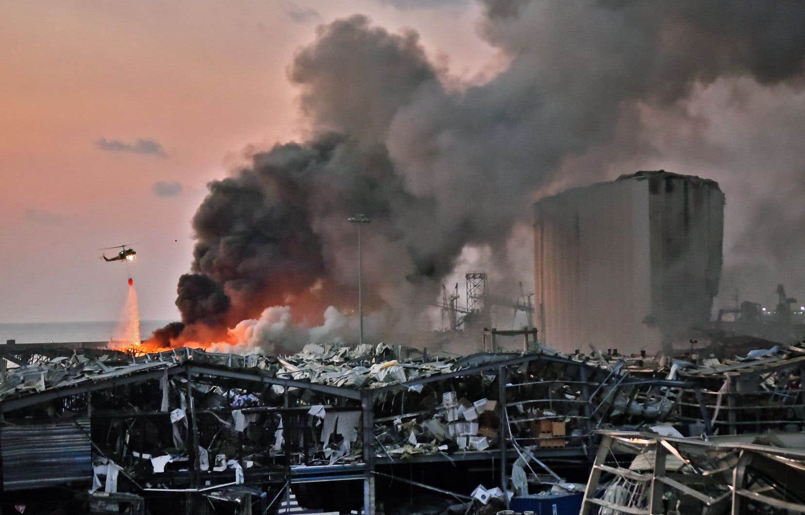 «Comment ne pas voir dans ces deux explosions le symbole d'un système qui éclate?», s'interroge le chanteur Mika.