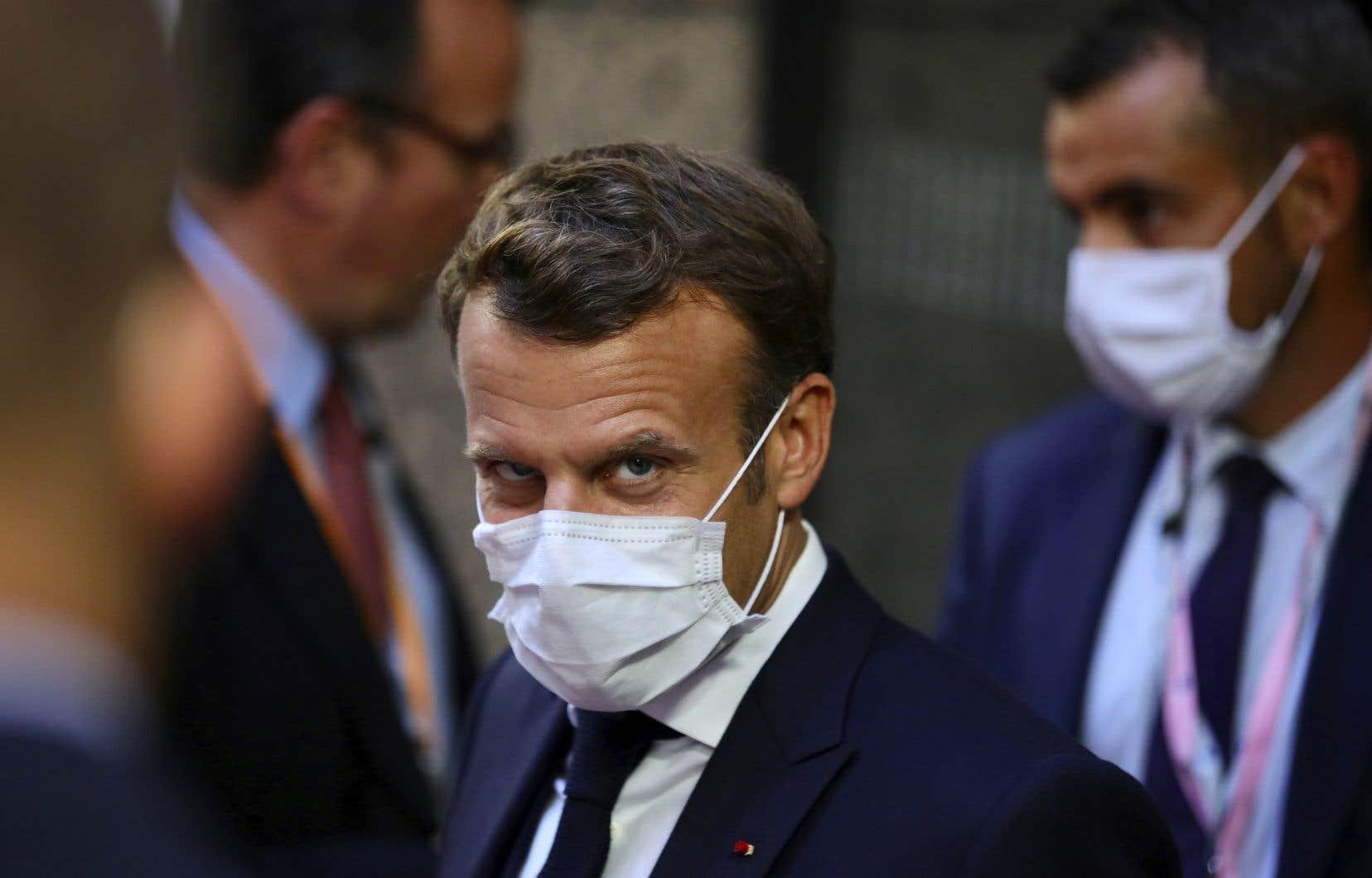 Premier dirigeant à se rendre dans la capitale libanaise après l'explosion meurtrière, il avait déjà promis jeudi une aide rapide et massive de la communauté internationale.