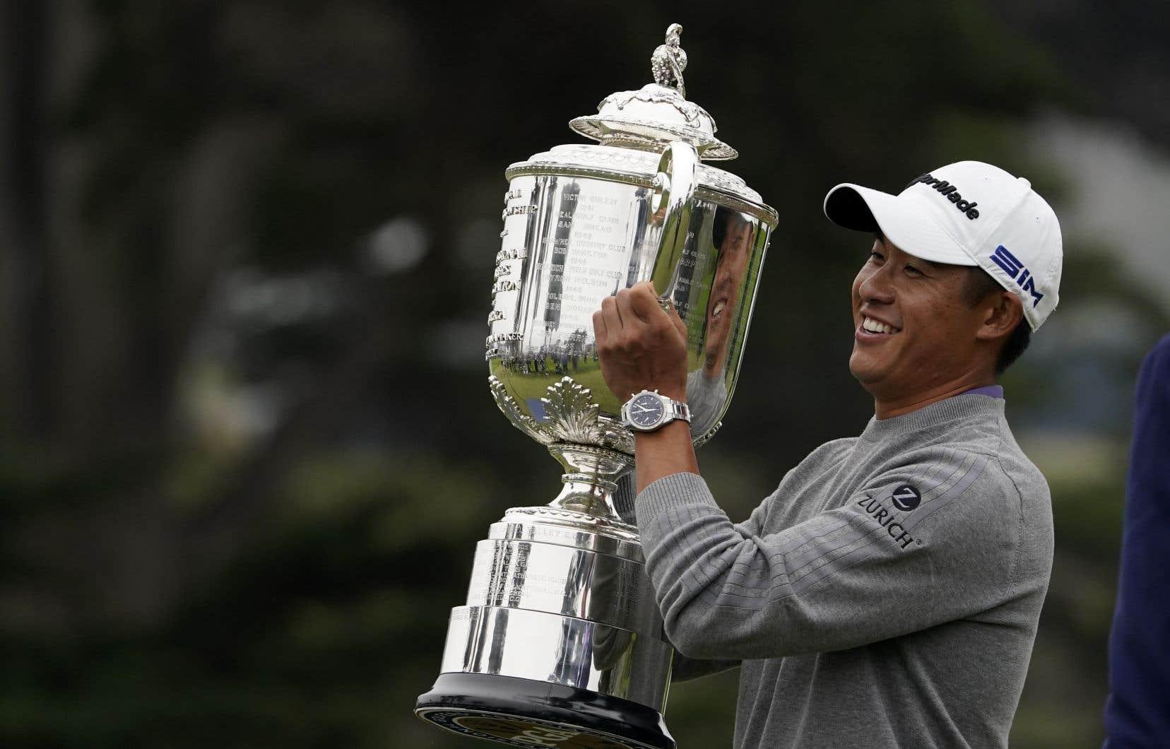 Collin Morikawa, 23 ans, a remporté son premier tournoi majeur de la PGA dimanche.