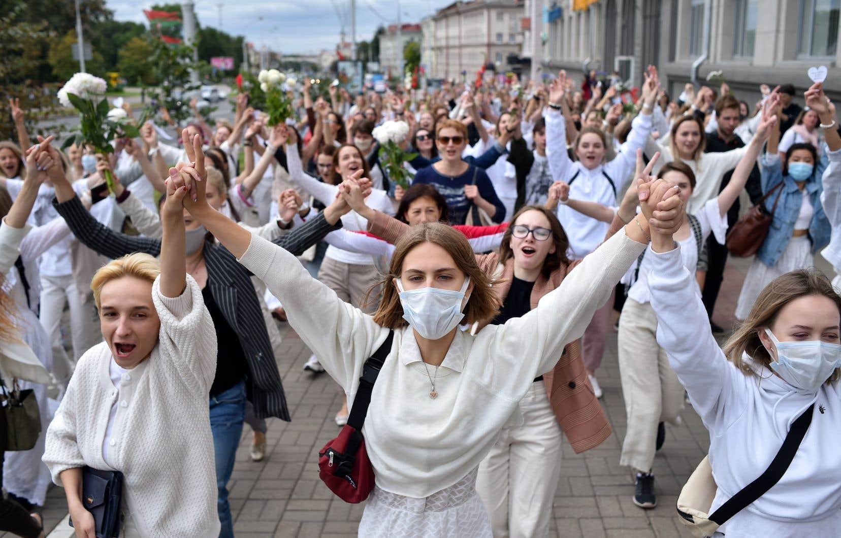 Les forces de sécurité ont au total arrêté quelque 6000 personnes à la Biélorussie depuis dimanche, sans que l'on sache combien sont encore détenues.