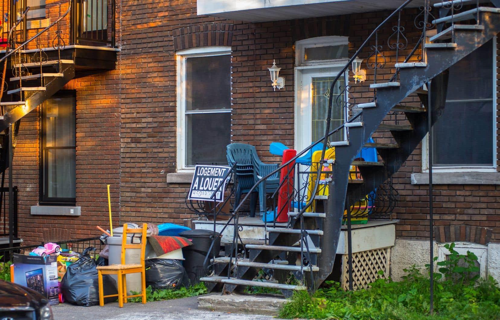 Le propriétaire immobilier pourrait se servir du dépôt de garantie afin de couvrir un loyer impayé ou de payer les frais si un logement est en mauvais état au départ du locataire.