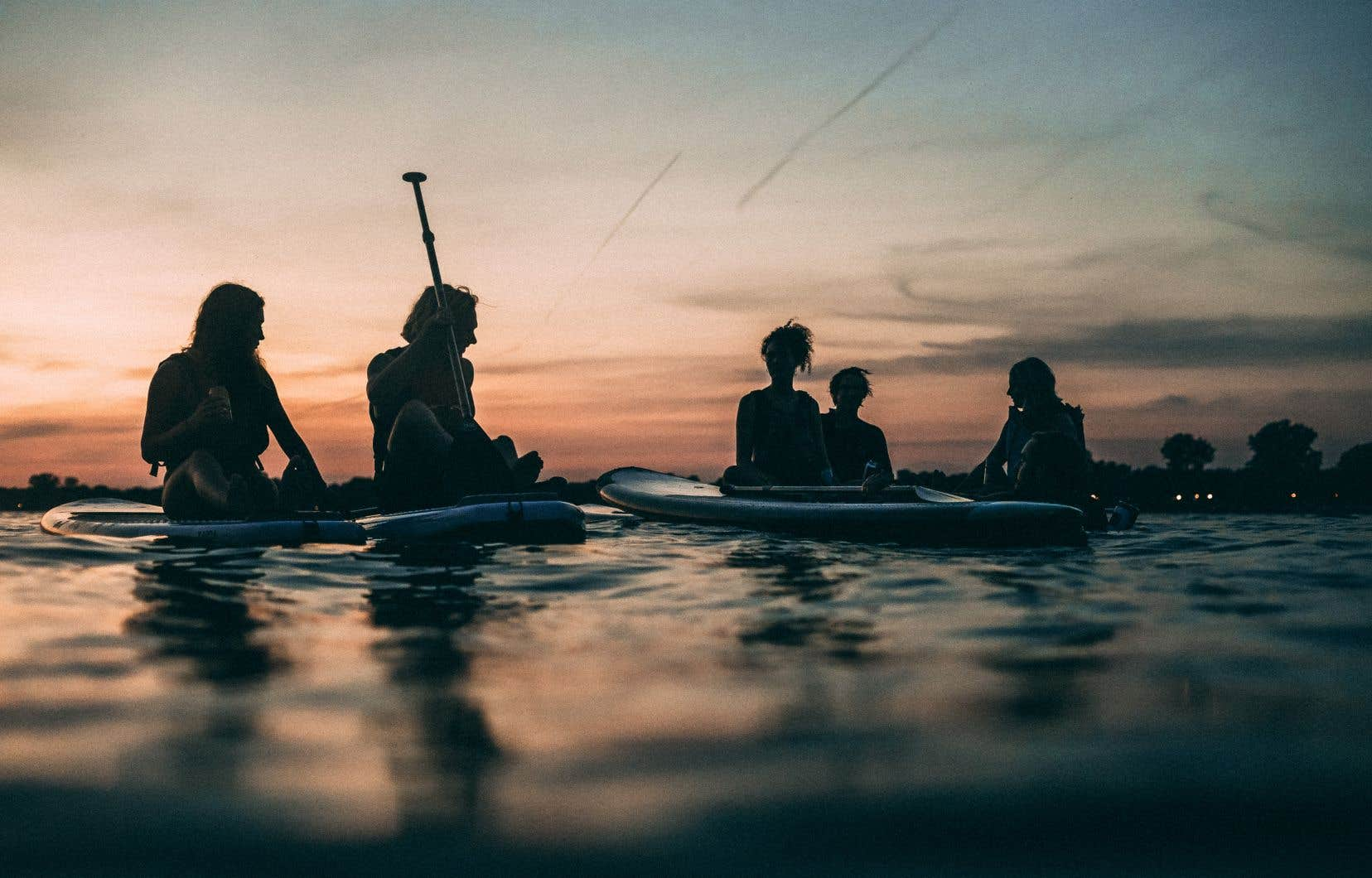 Pionnière du Saint-Laurent, l'entreprise KSF promet de faire voir la ville autrement depuis un kayak, un surf ou un «stand up paddleboard» (SUP).