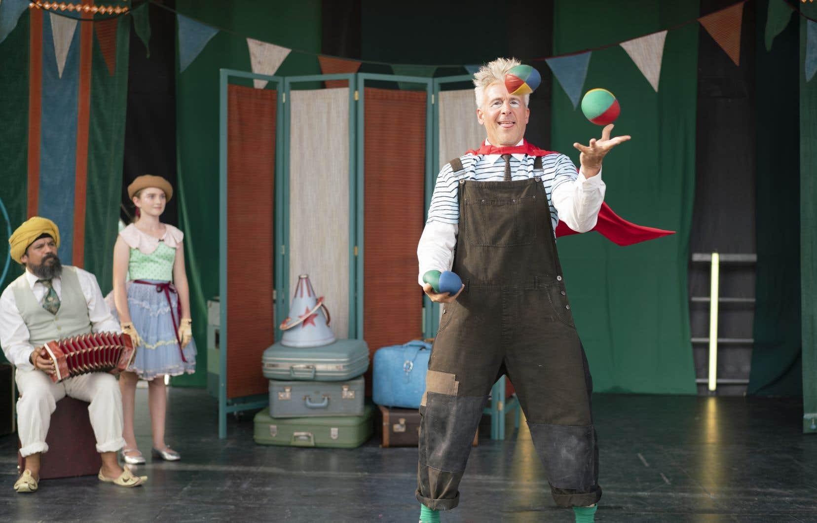 De Miryam Bouchard, «Mon cirque à moi», avec Patrick Huard, Jasmine Lemée et Robin Aubert, est une première œuvre charmante dont les rayons de magie, de douceur et d'espoir transpercent les nuages pour faire naître les sourires et réchauffer les cœurs.
