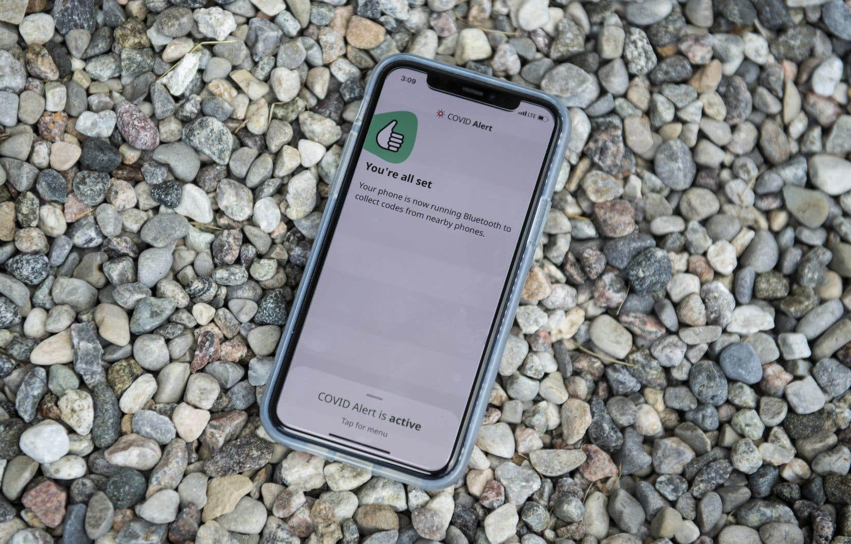 «La technologie Bluetooth, invoquée dans toutes les applications de suivi de contacts, n'a PAS été conçue pour mesurer une distance, mais seulement pour transmettre des données», rappelle l'auteur.