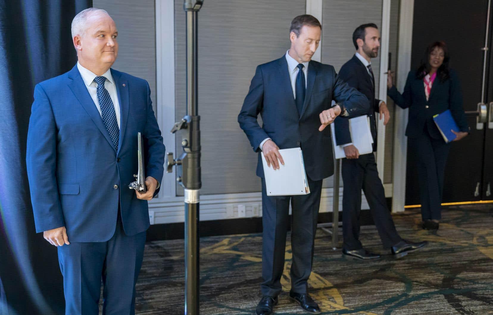 Les quatres candidats en lice pour la chefferie du Parti conservateur sontErin O'Toole, Peter MacKay, Derek Sloan et Leslyn Lewis (de gauche à droite).