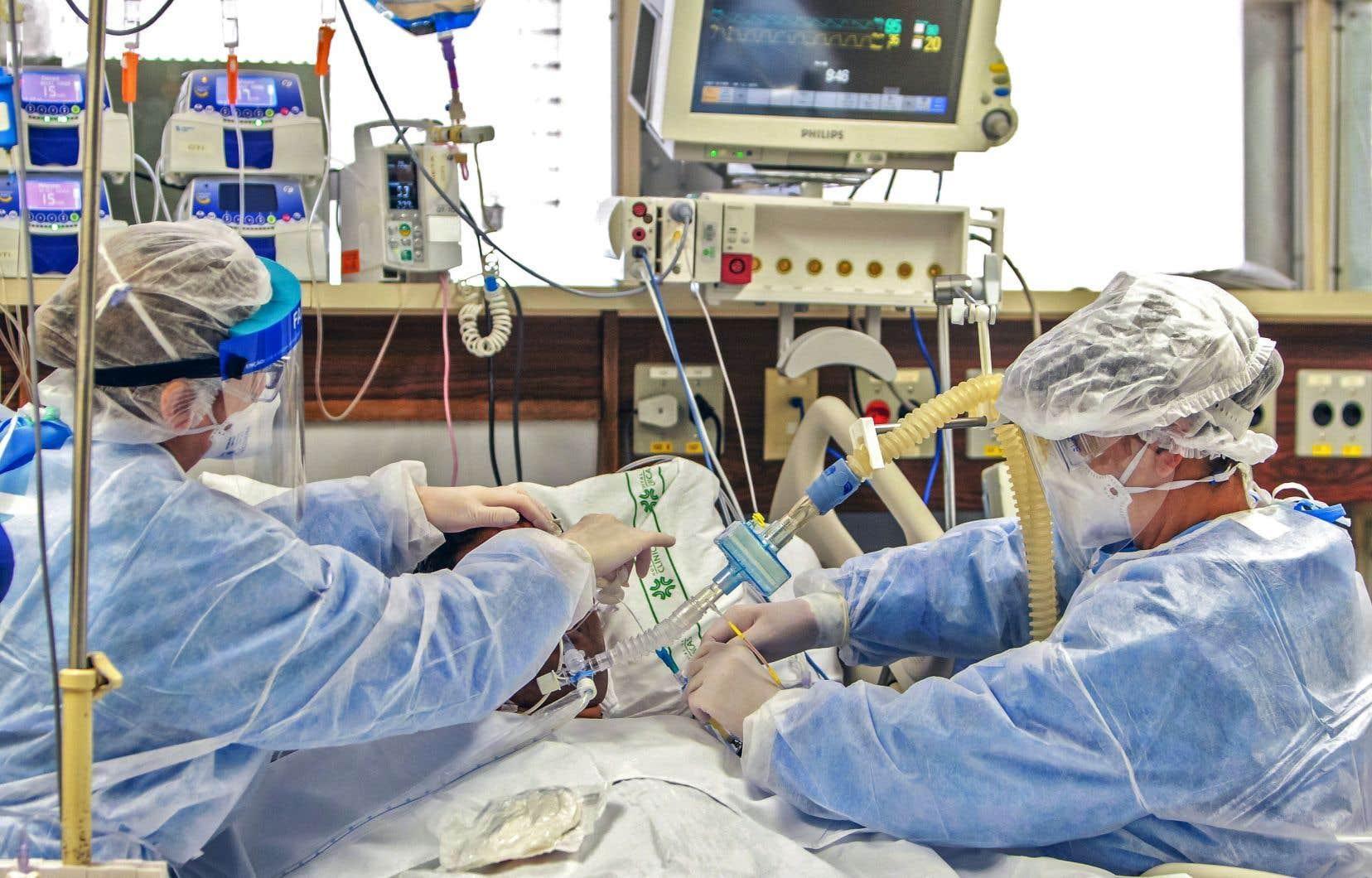 Santé Canada ne précise pas le nombre de respirateurs artificiels dont les hôpitaux pourraient avoir besoin pour répondre à une deuxième vague de COVID-19 et insiste sur le fait qu'on en compte assez pour le moment.