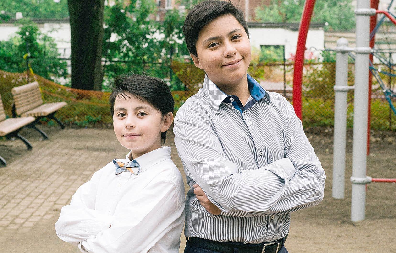 Manuel Garcia, 9 ans, et Juan Miguel, 11 ans, se sont transformés en petits lecteurs de nouvelles pour «Le petit Devoir de philo».