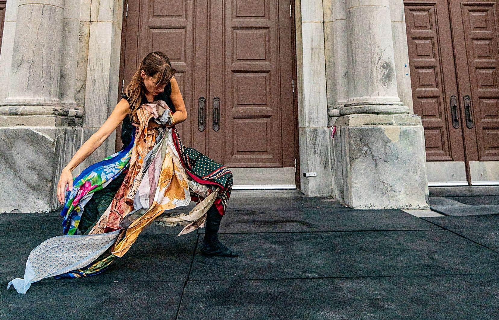 Jessica Serli est l'une des artistes que l'on peut rencontrer dans le cadre du projet «Osez ! En solo».