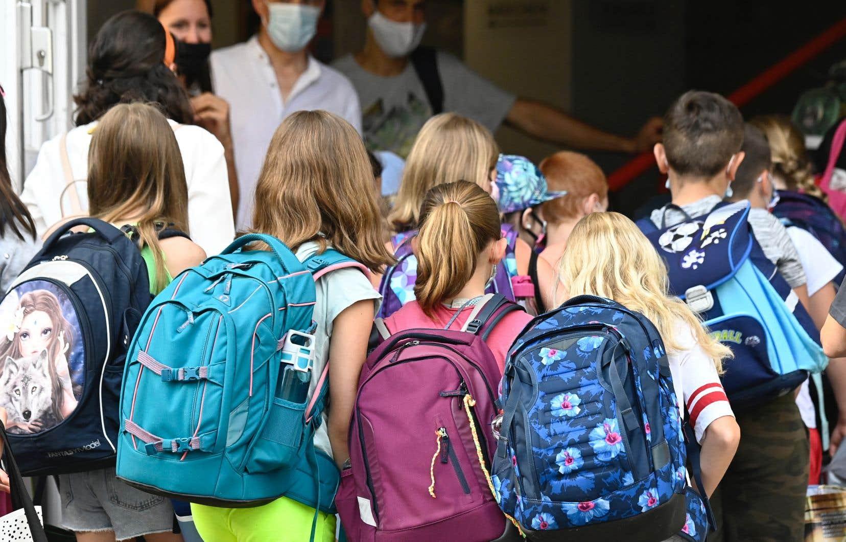 Le 10août dernier, le ministre Roberge a dévoilé son plan pour la prochaine rentrée dans les écoles de la province.