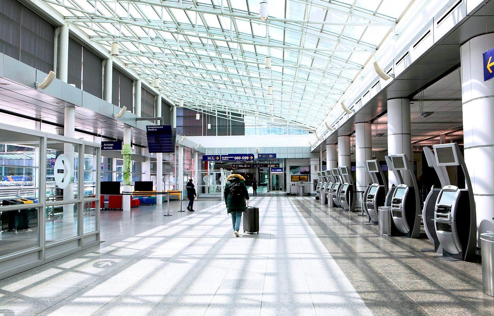Ces derniers mois, plusieurs transporteurs aériens ont refusé de rembourser leurs clients, proposant plutôt un crédit-voyage ou un nouveau vol ultérieur.