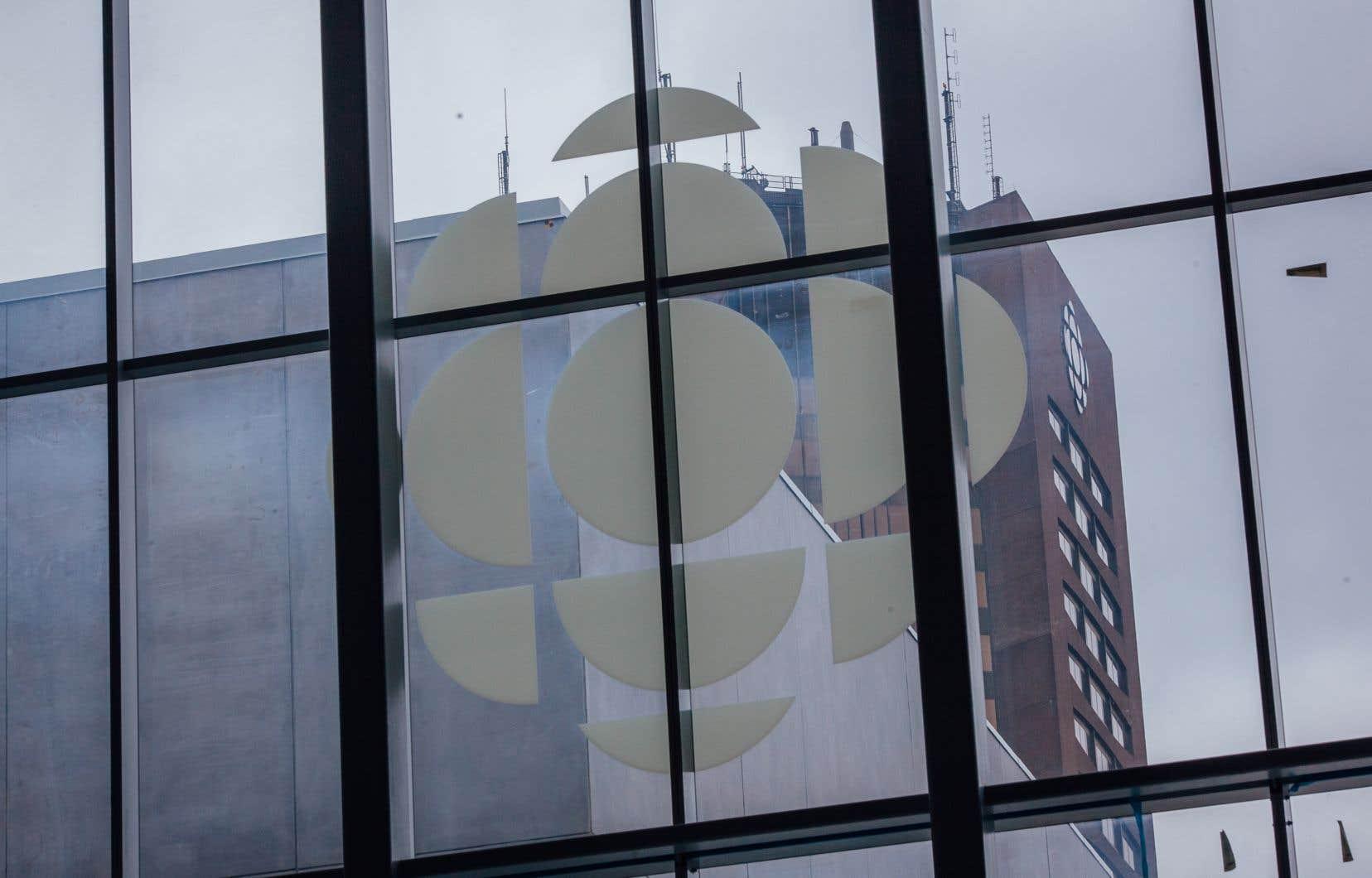 La moitié des employés sont toujours en télétravail et le déménagement vers la nouvelle maison de Radio-Canada se fera par étapes.