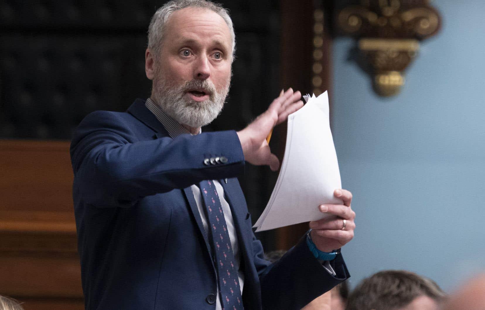 L'élu solidaire Vincent Marissal reproche au «numéro deux» du gouvernement caquiste de «joue[r] avec des allumettes dans la poudrière des renseignements personnels».