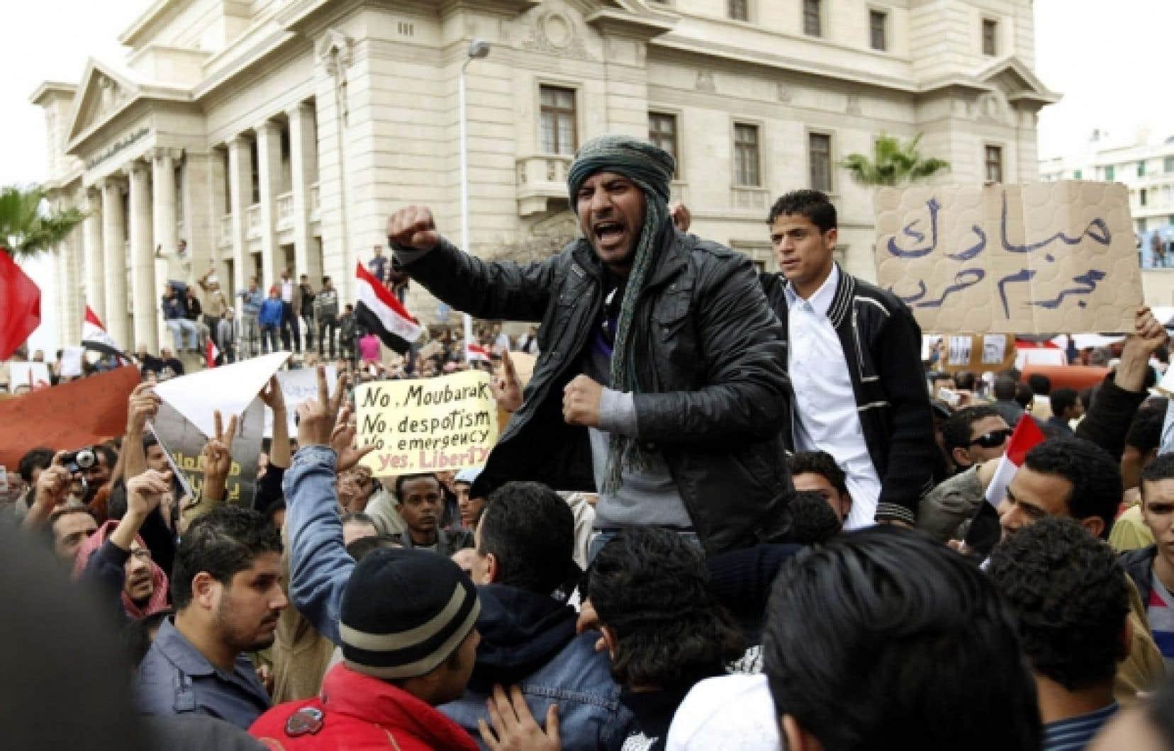 Les manifestations se sont poursuivies dans toute l'Égypte hier, d'Alexandrie (photo), dans le nord, à Louxor, dans le sud.