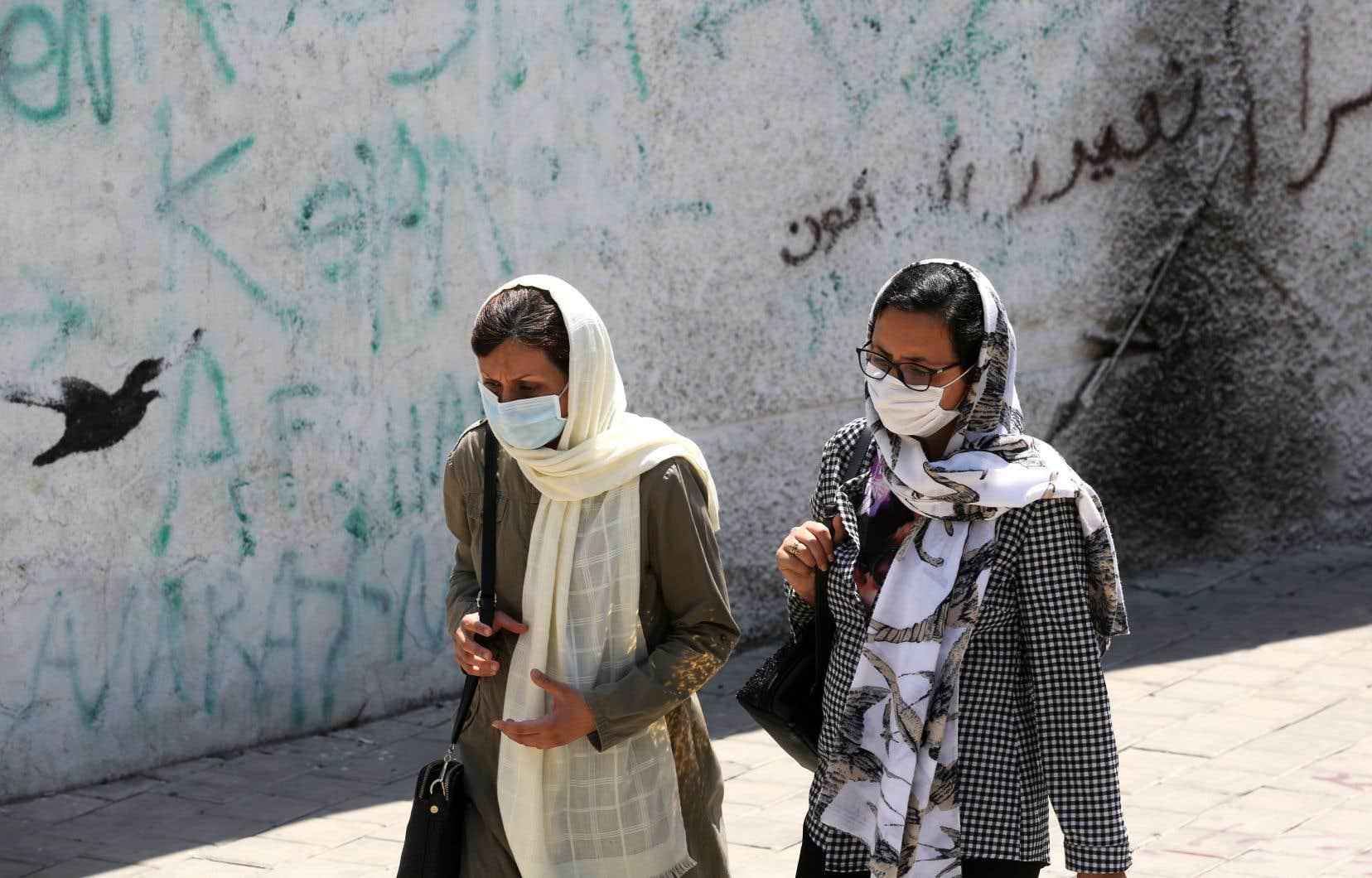 La semaine dernière, de nombreuses internautes iraniennes ― pour la majorité anonymes ― ont accusé un même homme de les avoir droguées et violées une fois inconscientes.